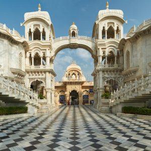 iskcon-krishna-balaram-temple-vrindavan-uttar-pradesh-india-sri-mandir-was-built-orders-bhaktivedanta-swami-68407219